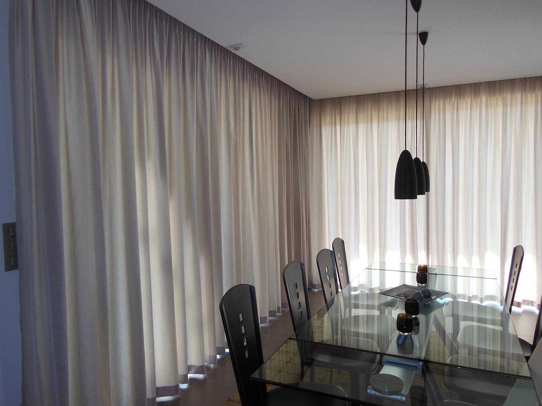 Double rideau en coton satiné à Truchtersheim