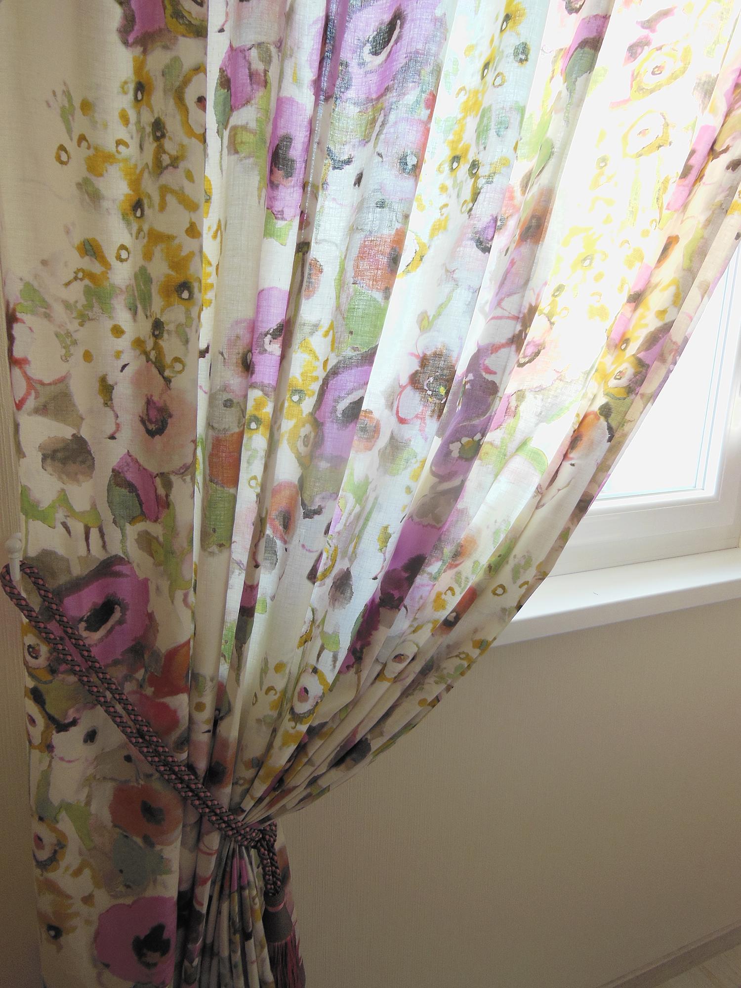 Double rideau en lin motif printanier