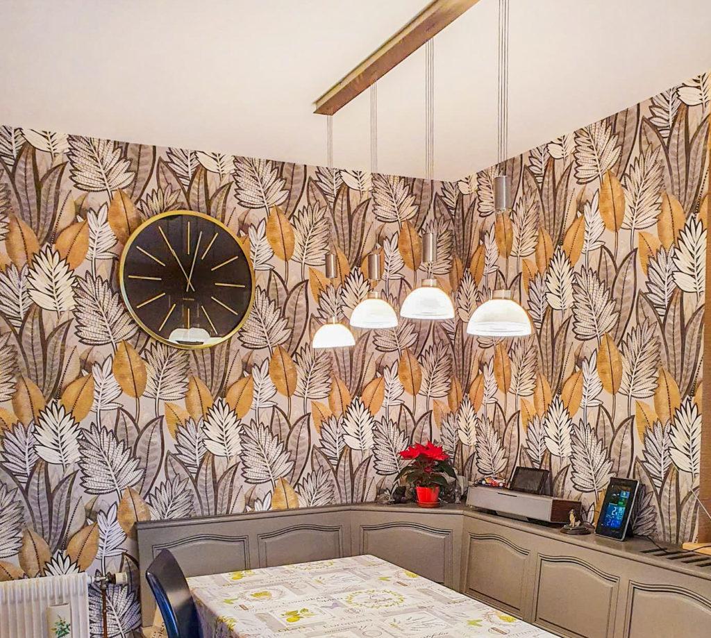 Papier peint végétal dans une salle-à-manger